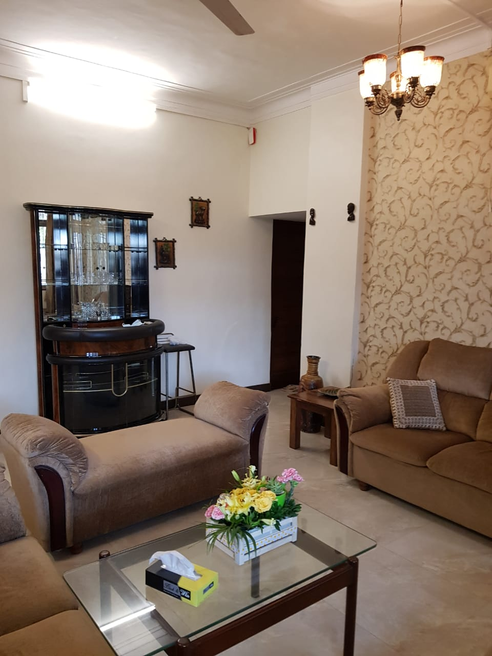 2 BHK on Rent in Dadar West @ 1 Lac Near Catering College