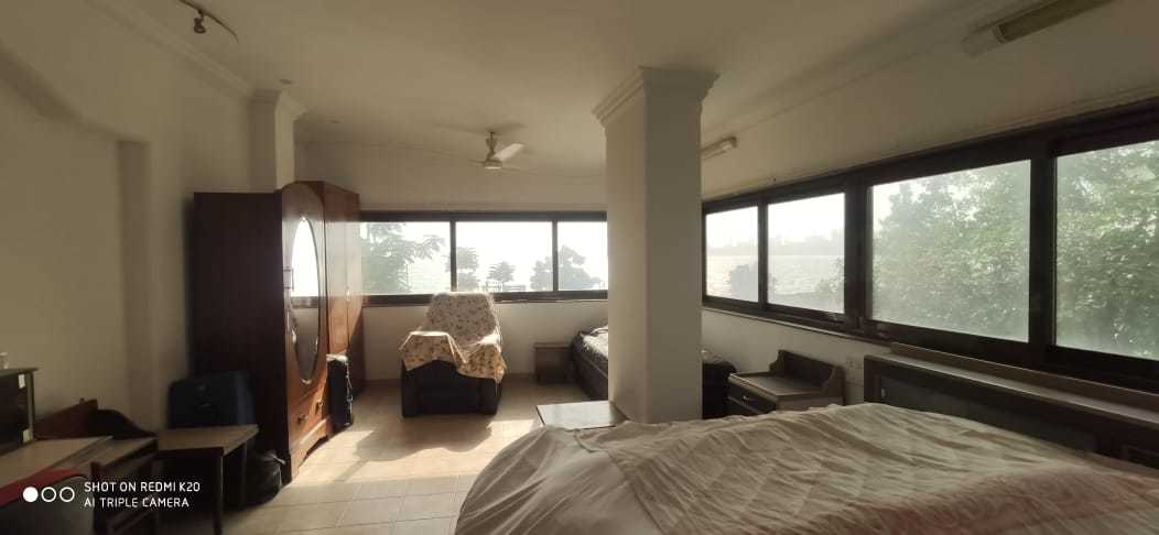 3 Bhk Flat for Sale in Marine Drive @ 14 cr