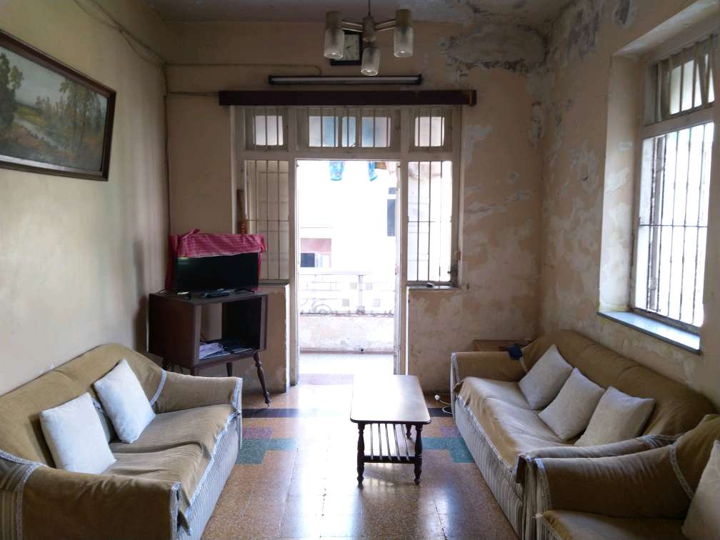 2 Bhk for Sale in Malabar Hill Near White House @4 Cr