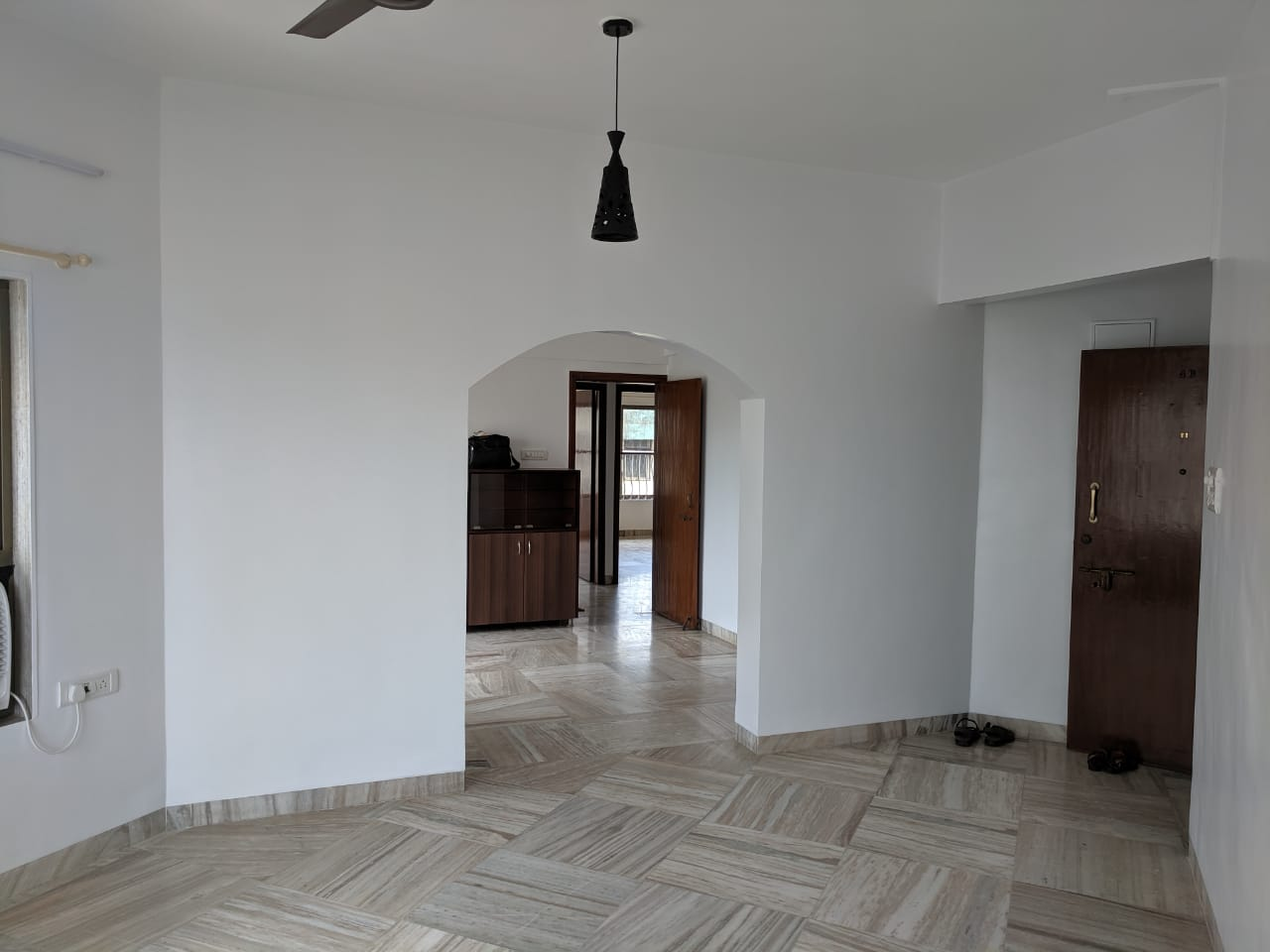 2 Bhk for Rent in Worli Seaface @ 1 Lac