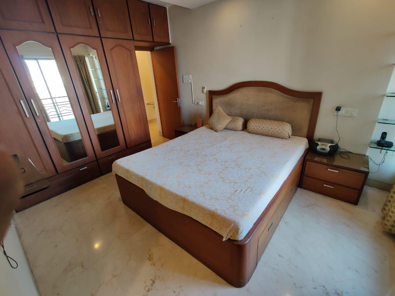 2 Bhk for Sale in Tardeo @ 7 Cr